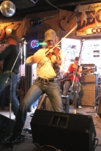 09-03-16-fiddleplayer2